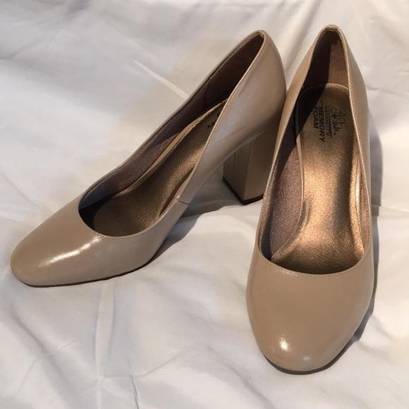 a7ecc0211e5 Life Stride Shoes - Lifestyle nude pumps